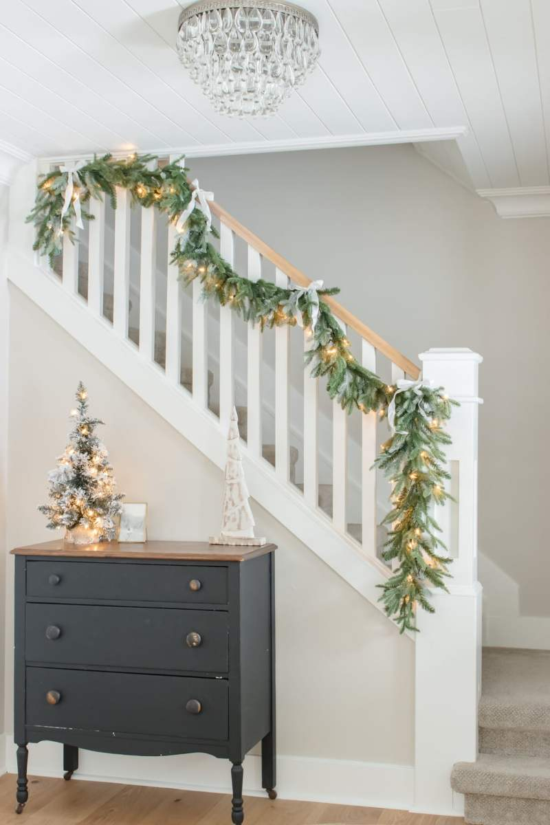 Simple + Cozy Farmhouse Christmas Home Tour